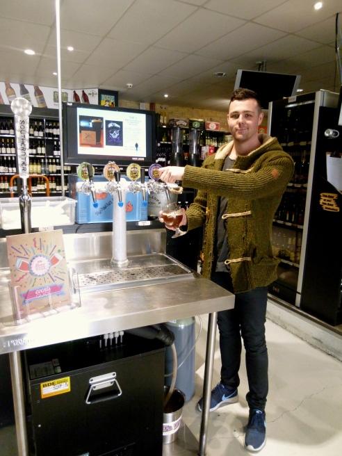 Josh, Mane Liquor
